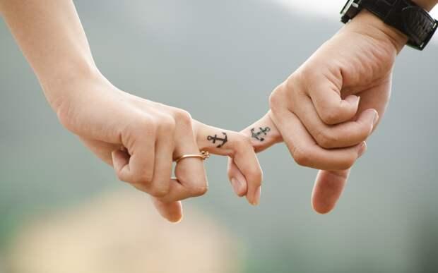 Кольцо-татуировка