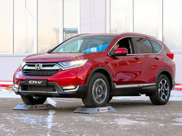 Honda CR-V 2017: подогреваем интерес, руль и муфту