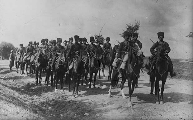Кинохроника Атака кавалерии. Военные маневры. 1918 год