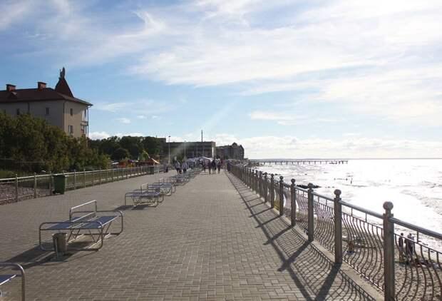 Променад Зеленоградска тянется большой полосой вдоль пляжей