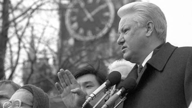О стыдных отставках в 90-х напомнил Андрей Норкин: Президент Ельцин, а власть у Березовского