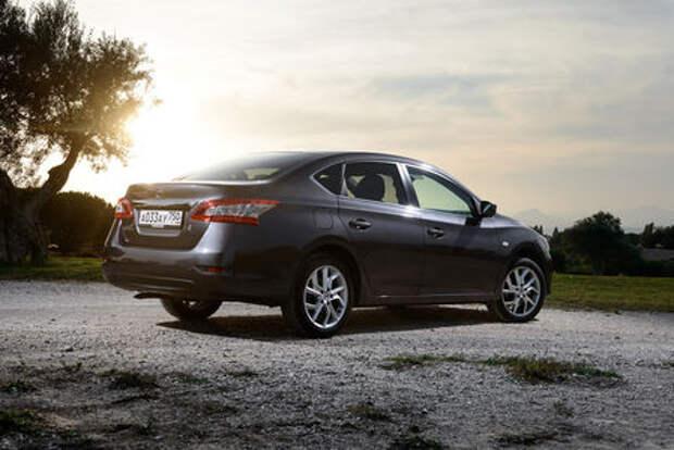 Две модели Nissan ушли с российского рынка. Какие и почему?