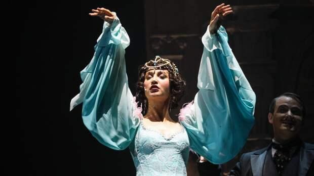 Блогера Лену Миро рассмешил исполненный Бузовой танец «одинокой женщины в печали»