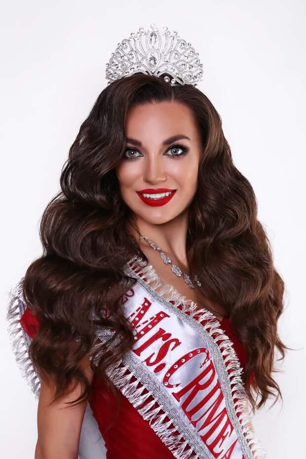 Поддержим наших: крымчанка участвует в международном конкурсе красоты «Миссис Вселенная – 2020»