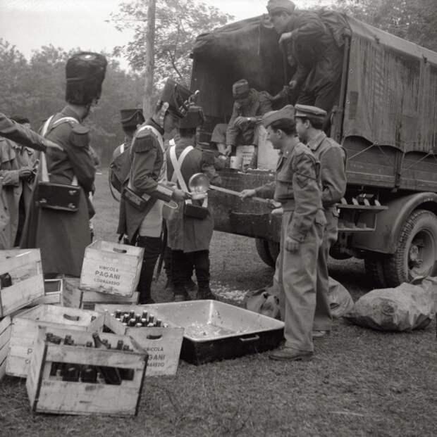 Архивные снимки и интересные моменты из прошлого (25 фото)
