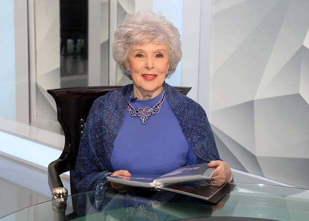 Актриса Вера Васильева: вышла замуж назло любимому, не родила, но мама и бабушка