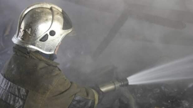МЧС сообщило о пожаре в двухэтажном офисном здании на западе Москвы