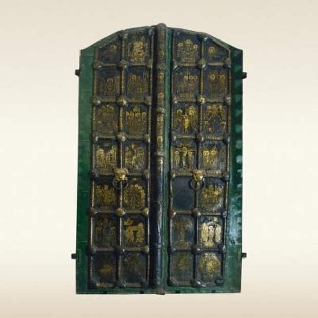 Золотые Ворота Богородице-Рождественского собора в Суздале. Первая треть 13 века