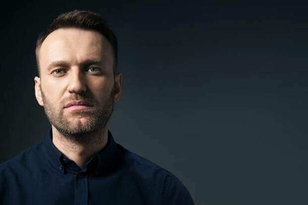 Почему Навальному помогают бизнесмены? Разбираем, кто и для чего оплачивал его лечение и выезд из страны