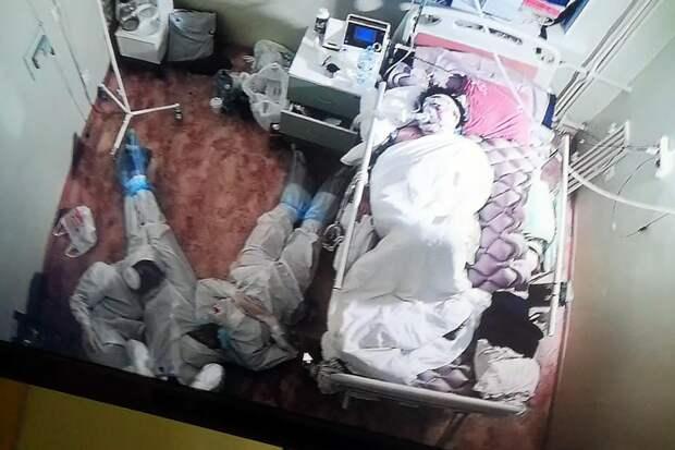 В Ленобласти медики провели ночь в палате возле пациента с COVID-19