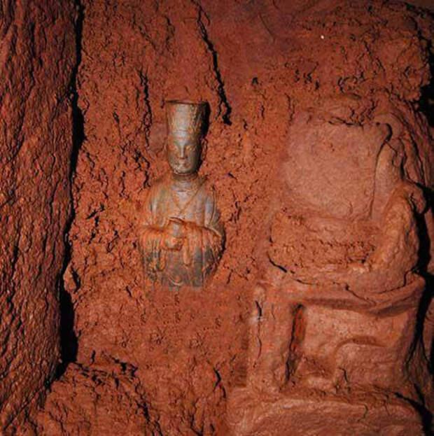 Старый китайский фермер обнаружил бесценное сокровище в комнате, где годами хранил картофель