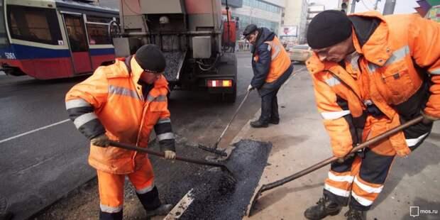 На улице Расковой отремонтировали тротуар