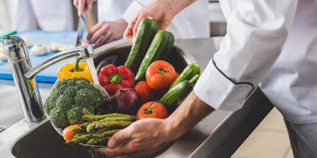 Как правильно мыть покупные овощи и фрукты, чтобы удалить все нитраты и вредные компоненты?