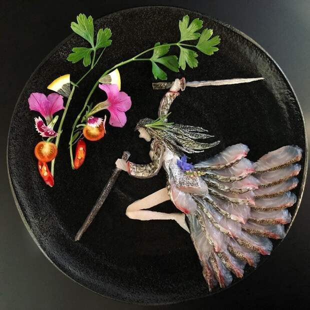 Эти шeдевры японeц создаeт из...pыбы.