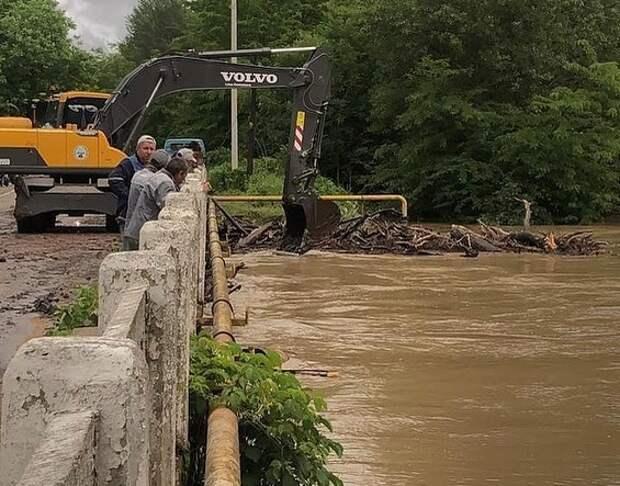 54 двора и 12 домов остаются подтопленными в Адыгее