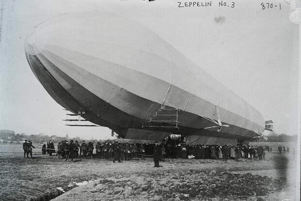 На германской открытке 1907 года еще целый LZ-3 на берегу Боденского озера. В сентябре того года он продержался в воздухе целых восемь часов