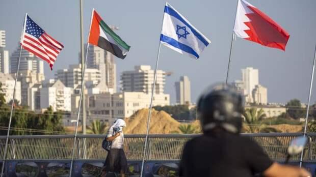 Трамп во вторник проводит церемонию подписания договора между Израилем, ОАЭ и Бахрейном