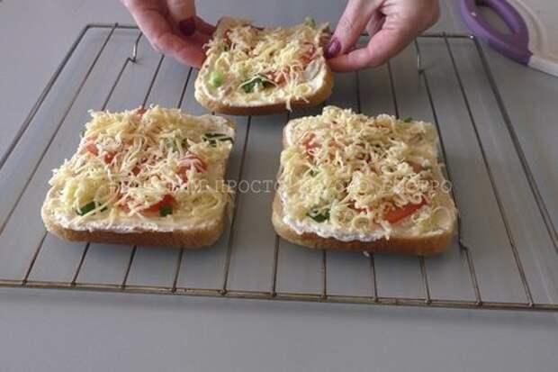 Горячие бутерброды или мини-пицца с отварной курицей