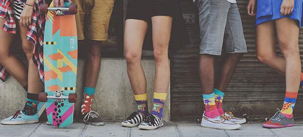 2. Яркие носки 90-ые, вещи, польза