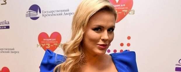 Анна Семенович рассказала о заработках группы «Блестящие»