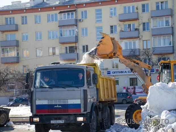 Жителей Октябрьского района Ижевска просят не бросать свои машины вдоль дорог