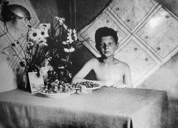 Как еврейский мальчик Илья Гальперин стал сыном полкаСС и«самым юным нацистом Рейха»
