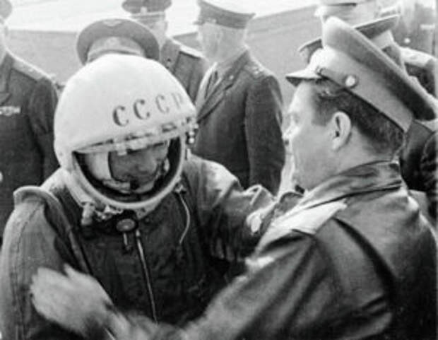Почему День авиации и космонавтики отмечается в России и мире 12 апреля