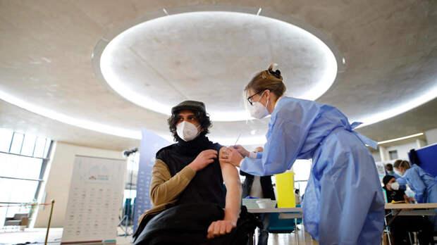 Заложники успеха: эпидемиолог объяснил опасность отказа от вакцинации