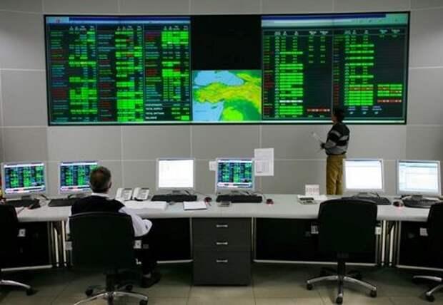 Контрольный центр турецкой корпорации BOTAS в 35 км от Анкары, Турция. 5 января 2009 года. REUTERS/Umit Bektas (TURKEY)