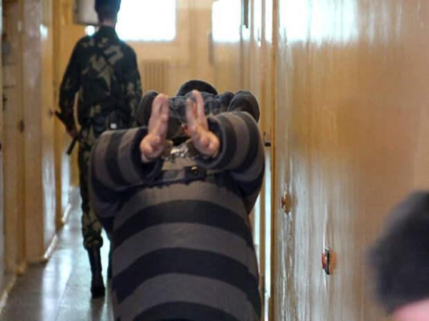 Выживание в тюрьме: чего ни в коем случае нельзя говорить или делать