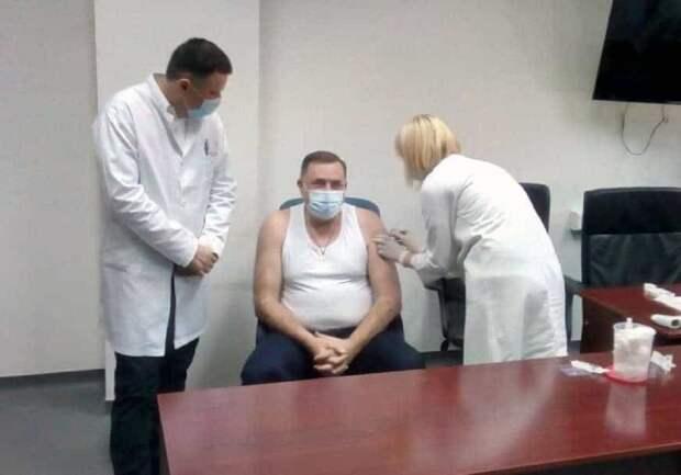 Лидер боснийских сербов привился вакциной «Спутник V»