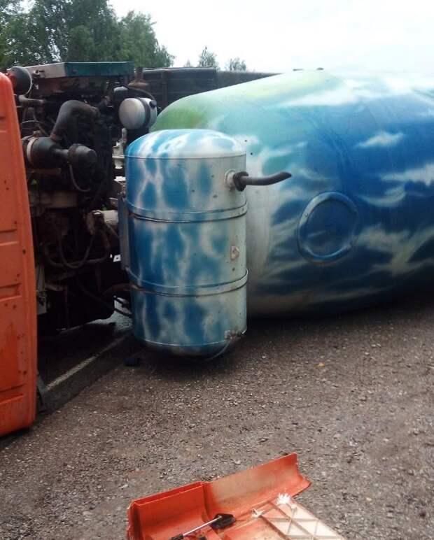 Мужчина погиб в аварии грузовика и легковушки под Ижевском