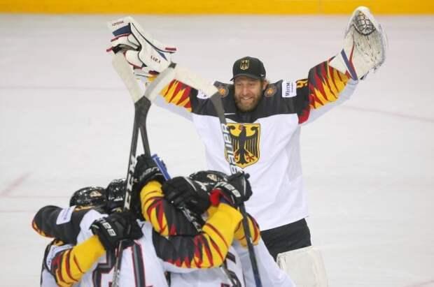 Германия по буллитам победила Швейцарию и вышла в полуфинал ЧМ по хоккею