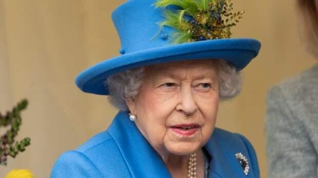 Елизавета II отменила праздничные мероприятия по случаю Дня Победы
