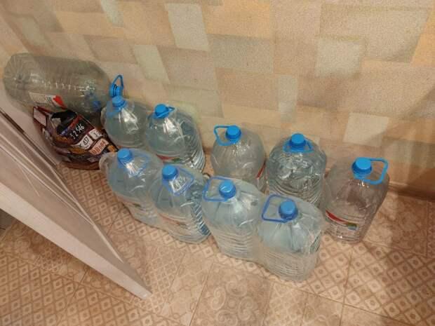 Надоело покупать воду. Подключил недорогой фильтр «Барьер», и сравнил очищенную воду с водопроводной. Показываю результат.