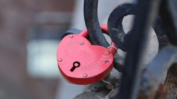 Психолог перечислила основные причины угасания чувств в паре
