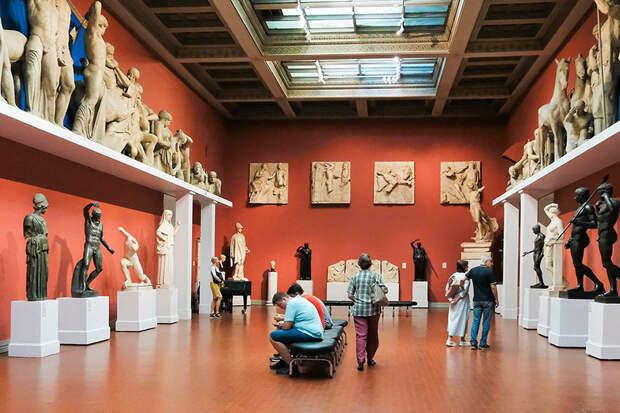 Названа дата открытия музеев и заповедников