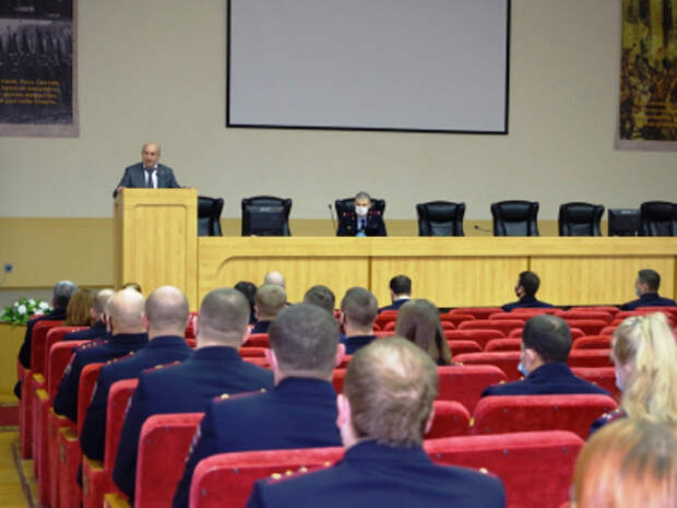 Инспекторы из Марьина вошли в число лучших полицейских года