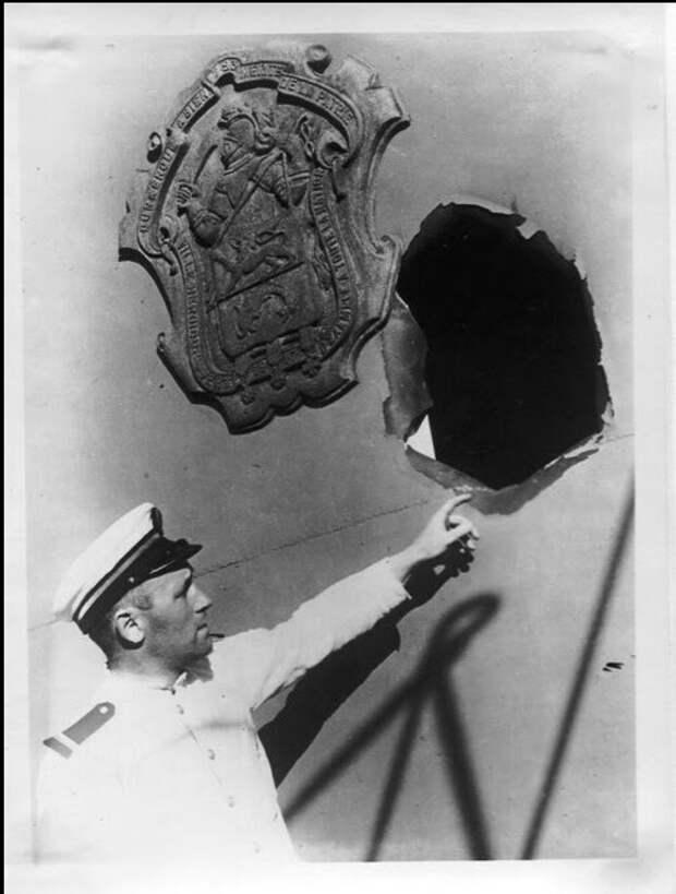 Попадание английского снаряда в «Dunkerque»