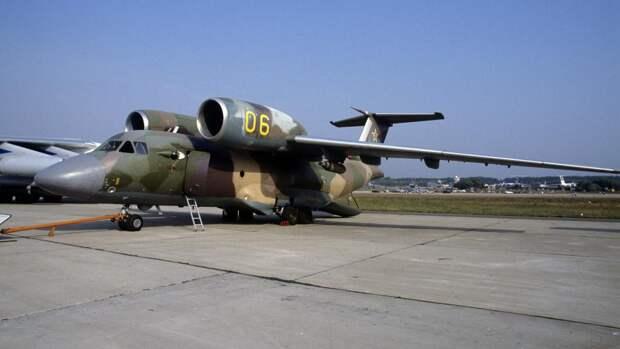 Самолет патрульной службы Ан-72П