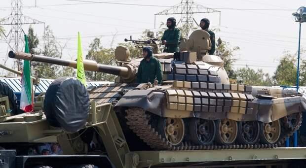 Иран перебрасывает бронетехнику к северо-западным рубежам