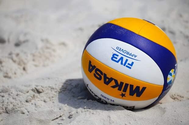 В Левобережном для жителей доступны семь волейбольных площадок