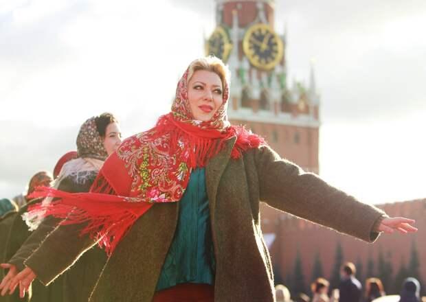 Знойный сентябрь: москвичам пообещали по-летнему теплую погоду в начале осени