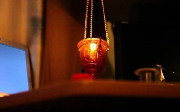 Из чего делают лампадное масло: описание, состав, применение
