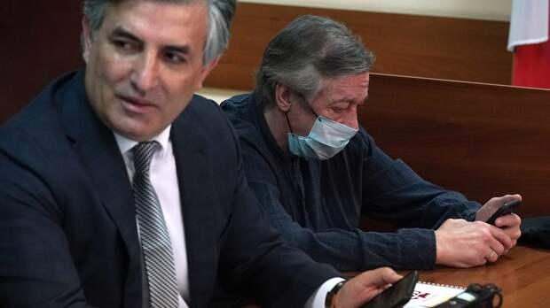 Михаил Ефремов отказался от услуг своих адвокатов