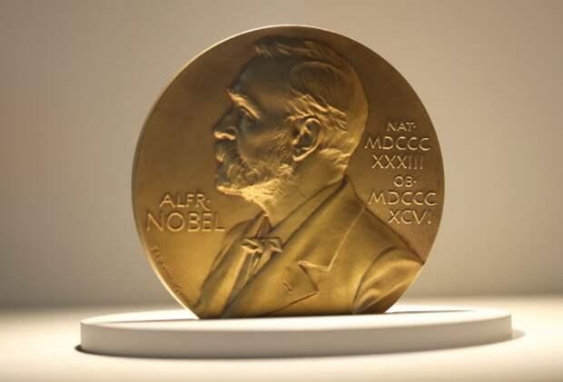Прошло уже более сотни лет, а награда по-прежнему изготавливается из настоящего золота / Фото: syktsu.ru