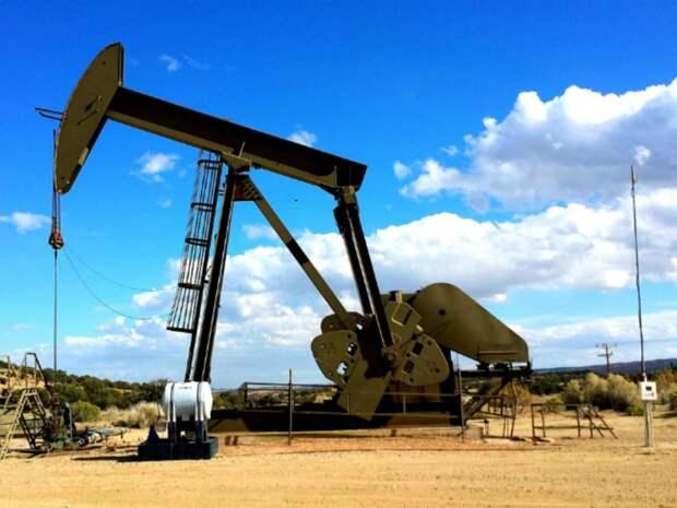 Нефть прибавляет в цене, Brent стремится к $73 за баррель