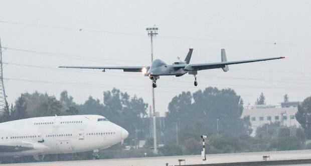 Беспилотник впервые в мире сел в аэропорту