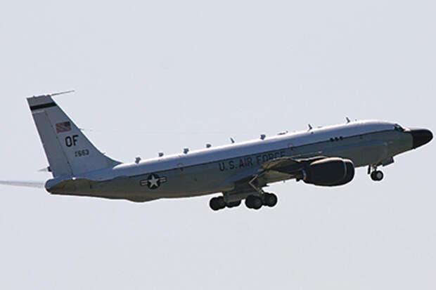 Уходивший от российского истребителя американский самолет залетел в Швецию