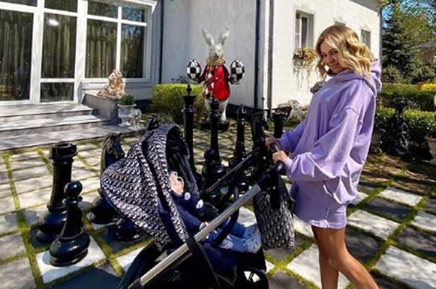 Подписчики обвинили Рудковскую в отсутствии материнских чувств